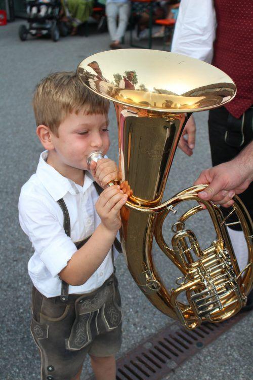 Maximilian Matt bewies sein Blasmusiktalent an der Tuba.