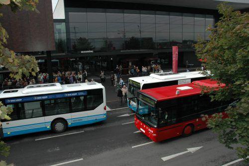 Mehr als die Hälfte der Messebesucher kommen inzwischen per Bus aufs Messegelände.DoMe