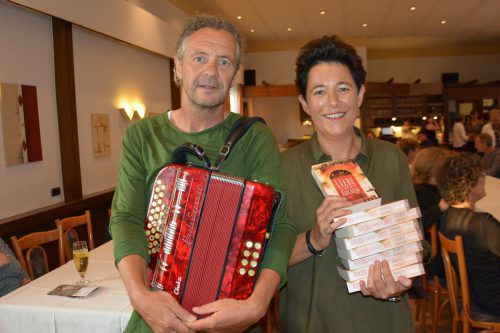 """Musiker Dietmar Illmer alias """"Dill"""" und Autorin Irmgard Kramer. cro"""