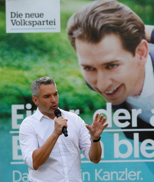 """Nehammer erklärte, dass die ÖVP den """"Falter"""" auf Unterlassung klage.RTS"""