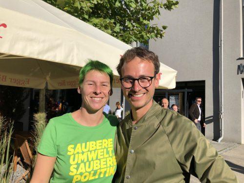 Patricia Tschallener färbte zur Freude von Daniel Zadra ihre Haare grün.