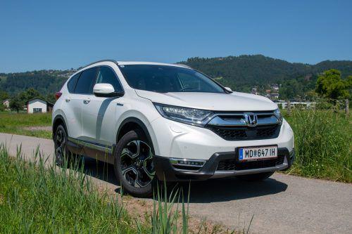 Rein elektrisch schafft der Hybrid-Honda nur zwei Kilometer, die Kombi aus Benzin- und E-Motor ergibt auf lange Distanzen aber eine saubere Energieleistung. VN/lerch