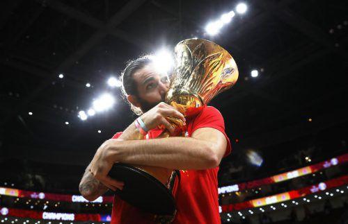 Rubio durfte nach einer starken Finalleistung den WM-Pokal entgegennehmen.Reuters