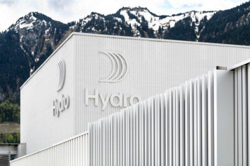 Sichtbare Nachhaltigkeit: Die neue Fassade von Hydro Nenzing wurde mit eigenen nachhaltigen Alu-Produkten ausgeführt. Fa/M.Rhomberg