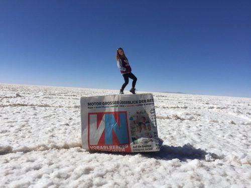 So sehen Hauptgewinner aus: Janine Fink aus Riefensberg hat die VN kurzerhand in die bolivianische Salzwüste Salar de Uyuni geschickt.