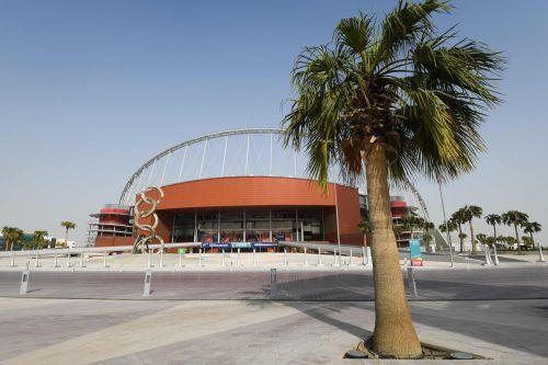 Solarzellen kühlen die Arena in Doha von 40 auf 26 Grad ab. apa