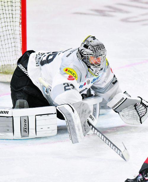 Torhüter Rasmus Rinne war in den ersten beiden Spielen das Um und Auf in den Reihen des Dornbirner EC. gepa