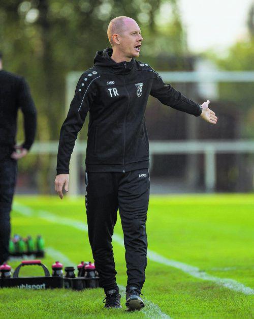 Trainer Roman Ellensohn und der Dornbirner SV führen die VN.at-Eliteliga derzeit souverän an.VN/Stiplovsek