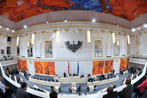 Über 20 der 36 offenen Fristsetzungsanträge wird früher als geplant abgestimmt.APA