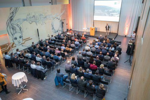 Volles Haus beim Vortrag des Vorarlberger Forschers Bernd Bickel im CC Rheintal.VN/Sams