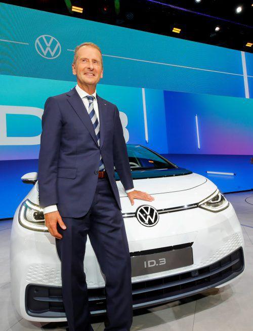 VW-Chef Herbert Diess soll trotz Anklage das Unternehmen weiterhin führen. Reuters