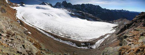 Was der Klimawandel für die heimische Land- und Forstwirtschaft, für die Obst- und Gartenkultur und die Kulturlandschaft bedeutet, darüber wird heute in Dornbirn gesprochen.silvretta gletscher/stefan egli/wikikommons