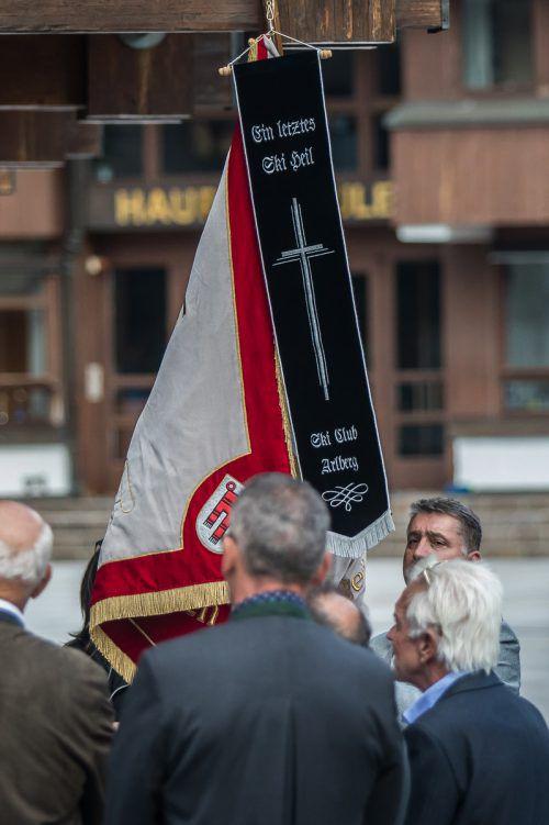 Weggefährten und Freunde aus der ganzen Welt erwiesen Egon Zimmermann die letzte Ehre.Steurer