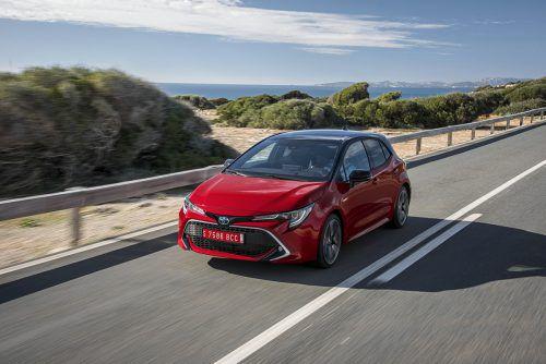 Zurückgekehrt zum traditionellen Namen ist Toyota in der Kompaktklasse: Der Auris ist wieder zum Corolla geworden. Der Preis: ab 20.990 Euro.
