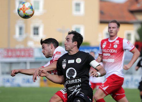 Aaron Kircher (vorne) wird dem FC Dornbirn gegen Lafnitz fehlen. gepa