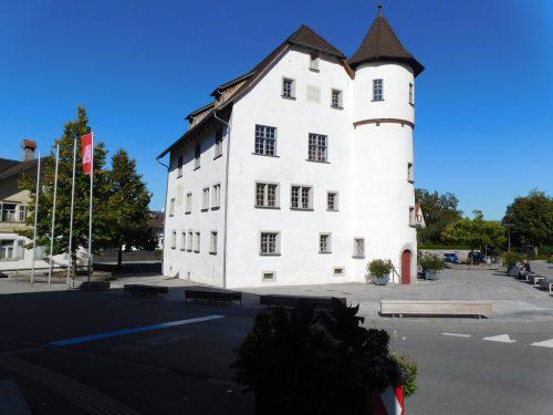 Am Tag des Denkmals konnte das Jonas-Schlössle im Götzner Zentrum im Rahmen einer Führung von außen und innen besichtigt werden.Michael Mäser