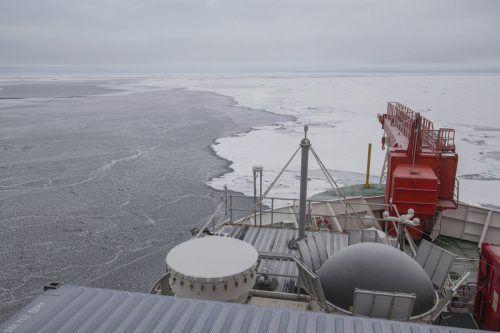 Mitte Februar sollte die Mannschaft auf dem Forschungsschiff abgelöst werden. AP