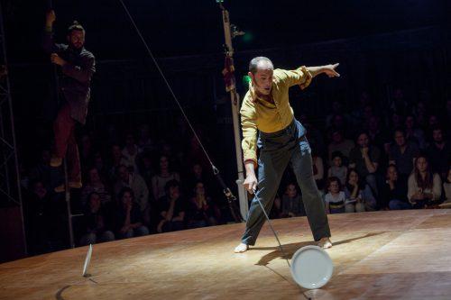 An sieben Spielabenden begeisterten die französischen Artisten der Compagnie La Faux Populaire das Publikum im Freudenhaus. cth
