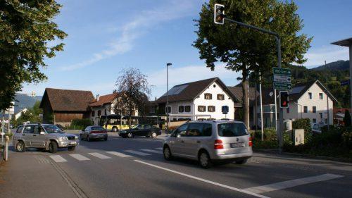 Beim Kreuzungsbereich Faschinastraße/Walgaustraße sind der Gemeinde aktuell die Hände gebunden.vn/js