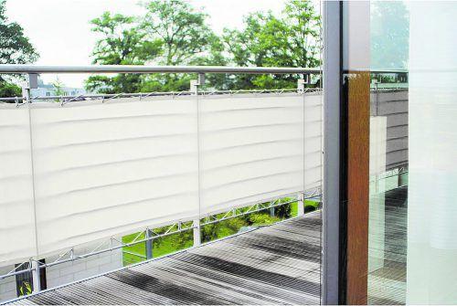 Blickdicht Um sich vor den Blicken Außenstehender zu schützen, werden Balkone zugehängt. In Wohnanlagen muss das abgestimmt werden.