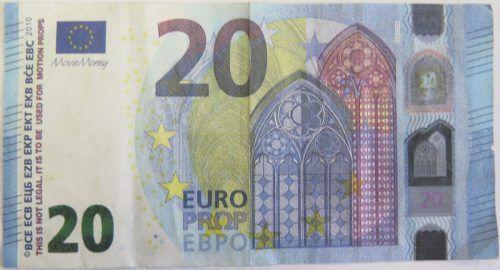 """Das Filmgeld ist mit Bemerkungen wie """"Movie Money"""" (links oben) versehen. Polizei"""