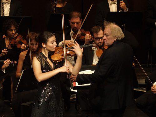 Das Mantua-Orchester unterMichael Guttmann mit der Solistin Elisso Gogibedaschwili im Dornbirner Kulturhaus. JU