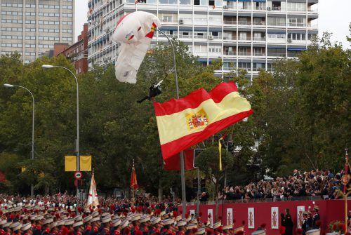 Der erfahrene Fallschirmspringer blieb unverletzt. AFP