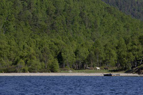 Der riesige Baikalsee ist eines der beliebtestenReiseziele Russlands. AP