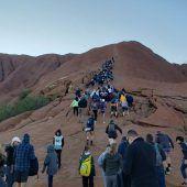 Keine Klettertouren mehr auf den Uluru in Australien