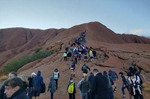 Der Uluru zieht jedes Jahr rund 350.000 Besucher an. AFP