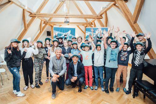 Die 2a der Mittelschule Bregenz-Stadt freut sich schon jetzt auf das Skiabenteuer, das sie in der kommenden Wintersaison erleben darf. WK Vorarlberg