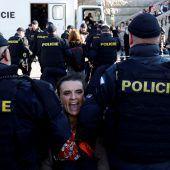 435 Klimaaktivisten festgenommen