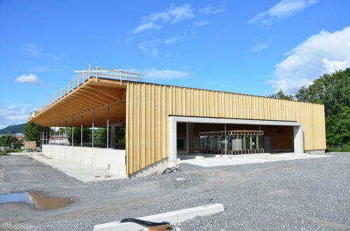 Die Arbeiten am ASZ Vorderland schreiten zügig voran. Es soll im ersten Quartal 2020 den Betrieb aufnehmen, die Stadt Feldkirch wird es leiten. regio Vorderland