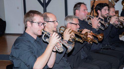 Die Blechbläser aus Vorarlberg zeigen, wie vielfältig Brassband-Musik sein kann. brassband vorarlberg