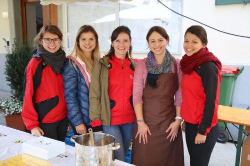 Die Damen von der Turnerschaft Göfis verwöhnten die goma-Gäste mit köstlichem Speis und Trank.