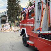 Brennender Müll auf der Straße