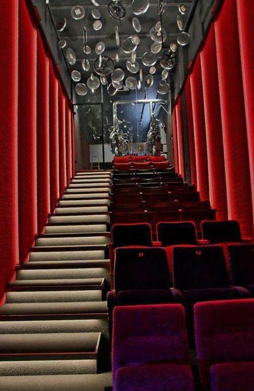 """Die Filmreihe """"Kino vor Ort"""" findet künftig im neu eingerichteten Kinosaal in der Vorarlberger Museumswelt statt. Schmid"""