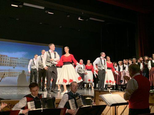 Die Trachtengruppe Lustenau überrascht immer wieder mit Klassikern und Neuinterpretationen.ortner