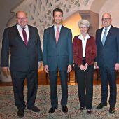 Vaduz: Wirtschaftsminister stellen sich globalem Digitalmatch