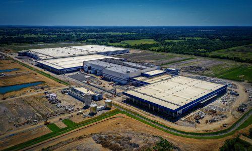 Dieses Werk in Oklahoma, geplant und begleitet von den Ingenieuren des Feldkircher Generalplaners BHM, hat eine Produktionsfläche von 170.000 Quadratmetern. BHM