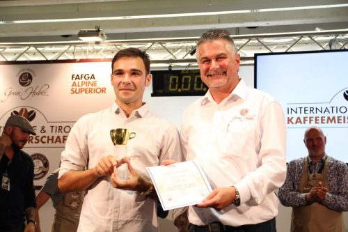 Erster Platz bei der internationalen Barista-Meisterschaft für Andrea Trevisan.mam