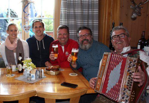 """Feierliches Oktoberfest rund um das Gasthaus Moosegg in Lochau am Pfänder mit den Stimmungsmachern """"blieb-a-biz"""". Schallert"""