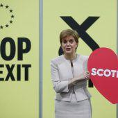 Sturgeon pocht erneut auf Referendum