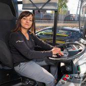 Vorarlberg ist Spitzenreiter: Immer mehr Frauen am Steuer von Linienbussen. A9