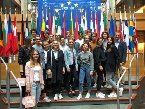Gruppenfoto der jungen Besucher im Europaparlament. Viele wären gerne noch länger geblieben. BG Dornbirn