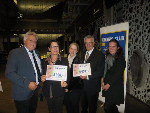 Günter Thurnher (Kiwanis), Verena Chlumetzky-Schmid (Initiative Begabung), Bernadette Starchl (Schülerclub Dornbirn), Wernfried Amann (Kiwanis) und Elisabeth Galehr (Lerntreff Bregenz). HA