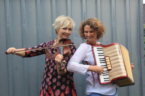 Ilona Wörnhör und Susanne Kanonier sorgen für die musikalische Untermalung des Abends. veranstalter