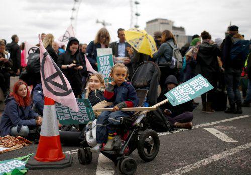 Im Londoner Viertel Westminster blockierten die Aktivisten mehrere Straßen. Reuters