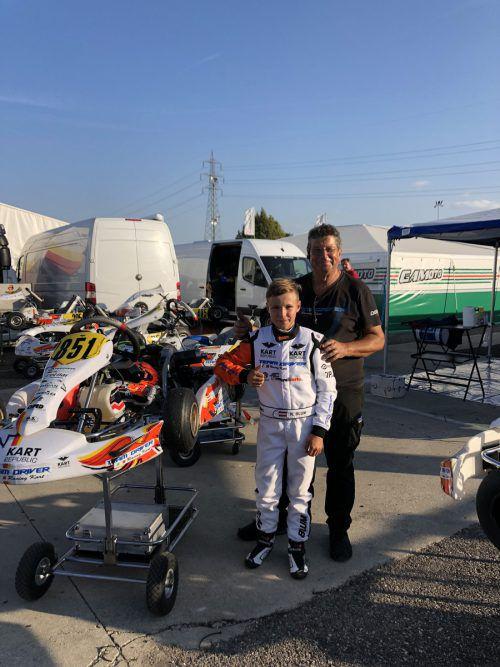 Kiano Blum (vorne) und sein neuer Mechaniker.privat