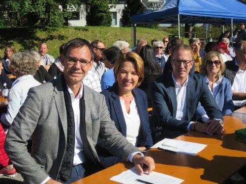 Landeshauptmann Markus Wallner, Bürgermeisterin Andrea Kaufmann, Landesrat Christian Gantner und Tunnelpatin Carmen Ruepp.
